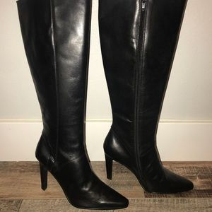 NWOT ❤️CLOSET CLEAR OUT❤️ black Leather boot